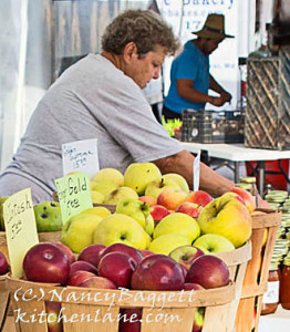 applestandcrop201_edited-1