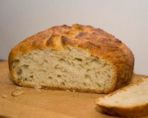 The Kneadlessly Simple Crusty White Pot Bread
